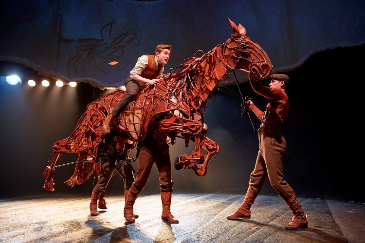 WAR HORSE London Cast 2014